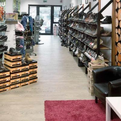 Einzelhandel Arber Center Geschäftshaus BodenmaisSchuh Hofbauer - Fonds & Vermögen Verwaltungs GmbH